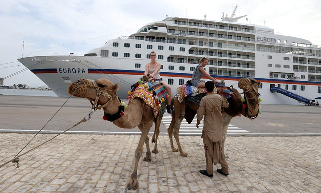 tourism in tunisia Terror attacks and regional conflicts have caused tunisia's visitor numbers to plummet, with no light yet in sight for the country's catastrophe-stricken tourism industry.